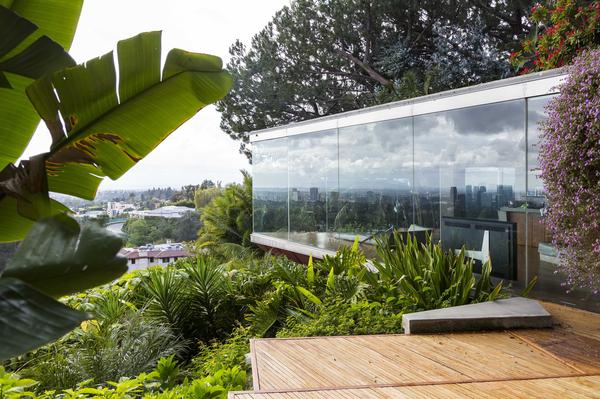 Integrating indoor and outdoor space was one of John Lautner's signatures.