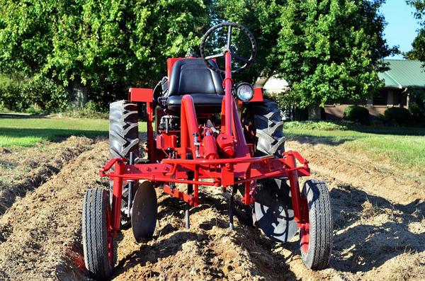The Oggun tractor.