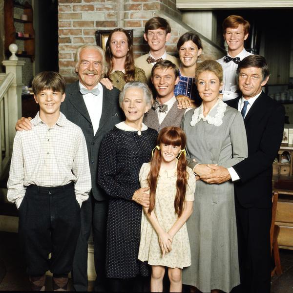 The cast of the TV show <em>The Waltons</em>, created by Earl Hamner Jr.
