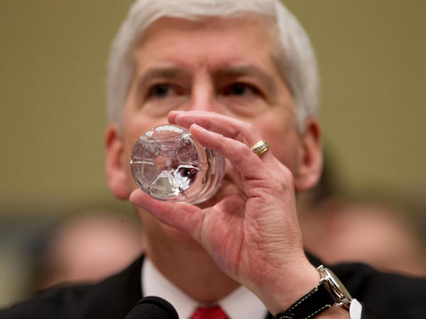 Michigan Gov. Rick Snyder says he and his wife, Sue, will drink filtered Flint water for the next 30 days to show the people of Flint that it is safe.