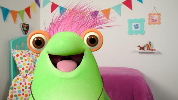 Marvie, the host of Sesame Studios, will sing and answer viewer questions.<strong> </strong>