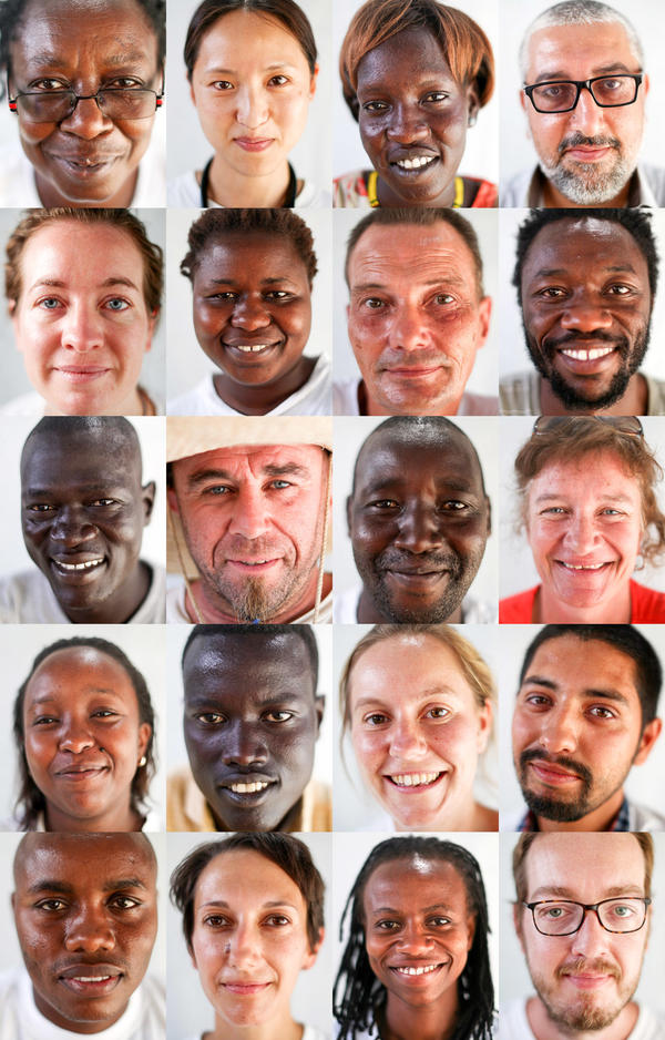 These are some of the 500 people who work at the MSF hospital: medical staff, construction workers, administrative personnel who keep the place running. Some are foreigners; others are South Sudanese refugees who live in the camp.