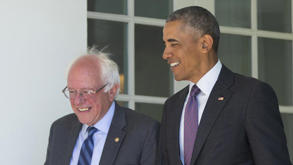 President Obama walks down the Collonade of the White House with Democratic presidential candidate Bernie Sanders ahead of their meeting Thursday morning.