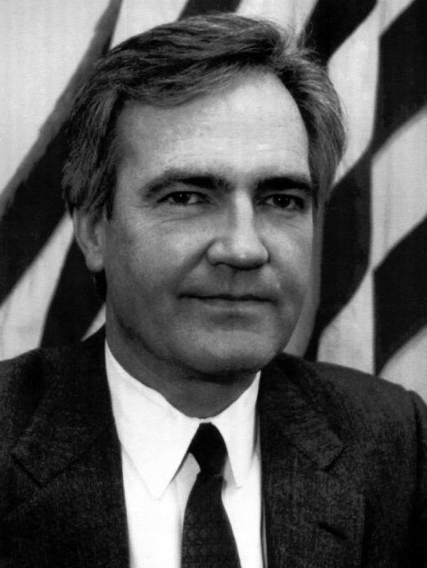 White House aide Vince Foster was found dead at a Virginia park.