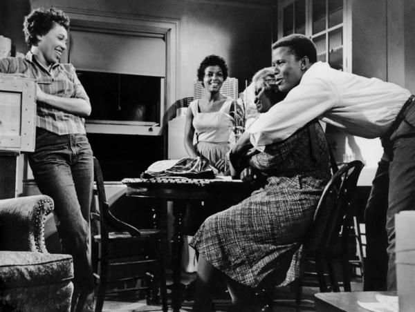 Actors Diana Sands, Ruby Dee, Claudia McNeil and Sidney Poitier appear in the 1961 film adaptation of Lorraine Hansberry's <em>A Raisin in the Sun</em>.