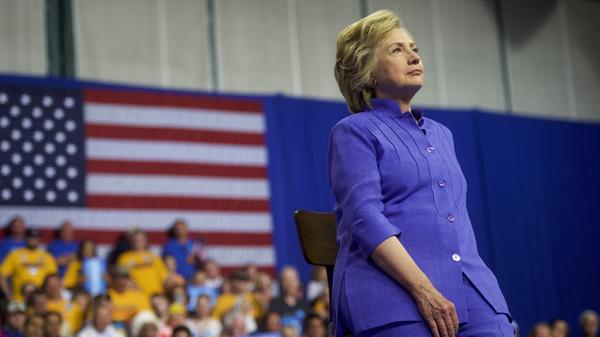 Hillary Clinton sat on a stool while Joe Biden spoke this week. Does that mean she's too frail to be president?