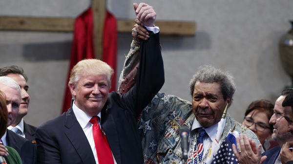 Donald Trump campaigned alongside boxing promoter Don King in Ohio Wednesday.