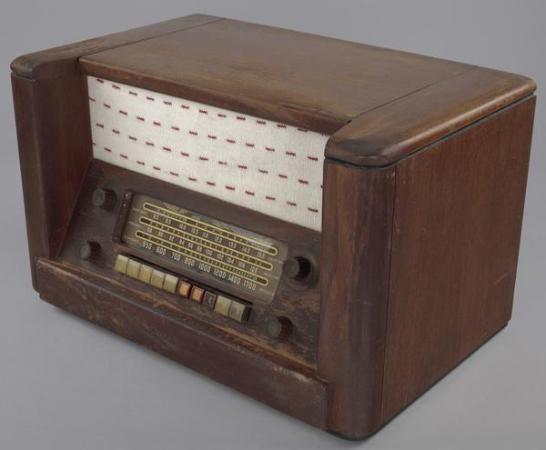 A radio owned by Herman and Minnie Roundtree