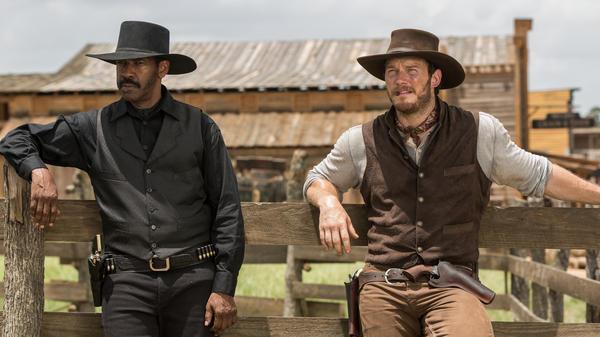 Denzel Washington and Chris Pratt in Antoine Fuqua's remake of <em>The Magnificent Seven</em>.