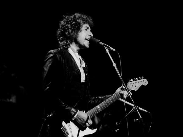 Bob Dylan performs in Chicago in 1978. He is the first American to claim the Nobel Prize in literature since Toni Morrison won in 1993.