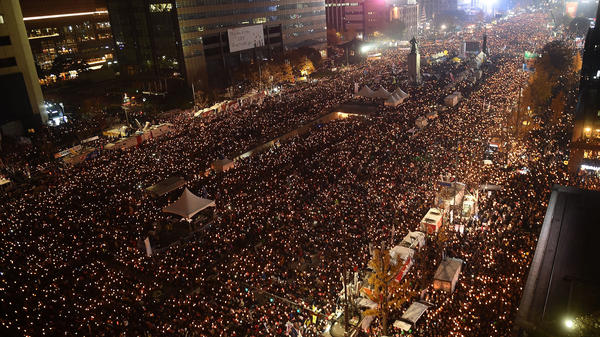 South Koreans fill the streets of Seoul's city center Sunday, demanding President Park Geun-Hye step down.