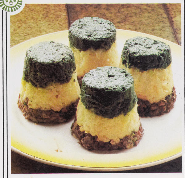<strong>Little Vegetable Towers: </strong>I like my spinach, mushrooms and broccoli like I like my men. Boiled, pureed and in a tower.