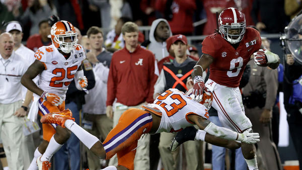 Sophomore running back Bo Scarbrough of the Alabama Crimson Tide rushes for a 37-yard touchdown Monday during the second quarter in the 2017 College Football Playoff National Championship Game against the Clemson Tigers in Tampa, Fla. Scarborough had two long touchdown runs, after getting two long scores against Washington in the semifinal game.