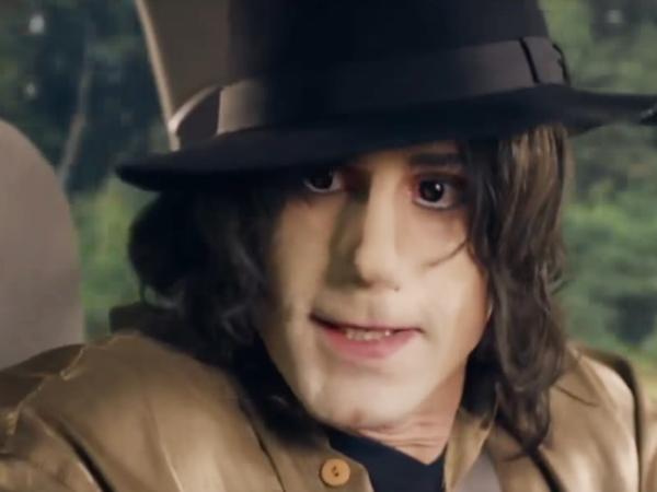 A screenshot from the British TV show <em>Urban Myths </em>shows actor Joseph Fiennes portraying singer Michael Jackson.