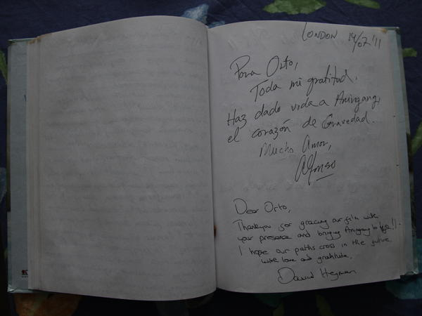 Personal notes written by director Alfonso Cuaron and producer David Heyman in Orto Ignatiussen's notebook during a meeting about his work in the movie <em>Gravity</em>.