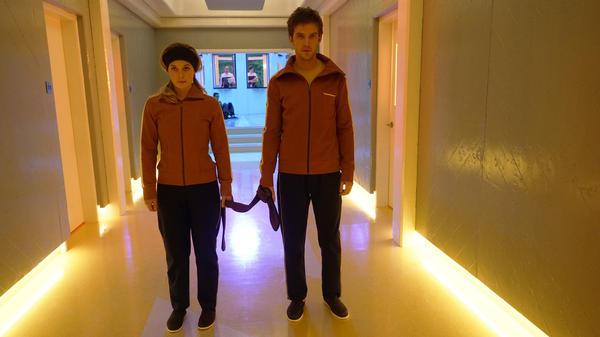 Syd (Rachel Keller) and David (Dan Stevens) find themselves at the end of their tether in <em>Legion</em>.