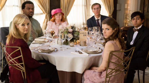 They ordered the chicken: (L-R) Lisa Kudrow, Craig Robinson, June Squibb, Stephen Merchant, Anna Kendrick and Tony Revolori in <em>Table 19</em>.