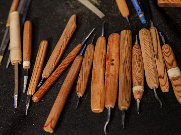 Netsuke carvers use a vast array of handmade tools, including different types of knives and files. These belong to contemporary master carver Ryushi Komada.