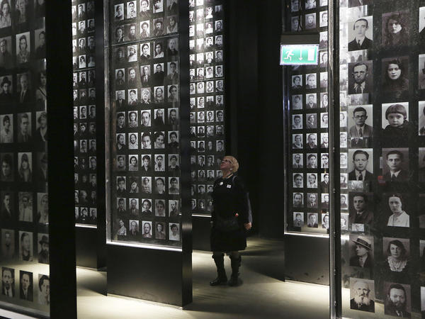 Exhibits at Poland's newly opened Museum of the Second World War include photographs, letters and other memorabilia donated by private individuals.