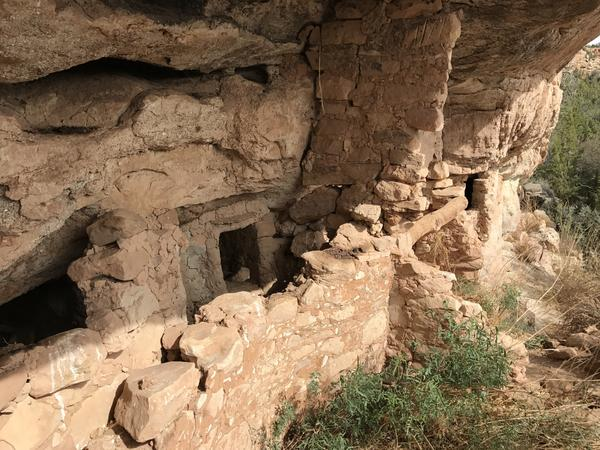 An Anasazi cliff dwelling, one of many ancient ruins in Recapture Canyon, Utah.