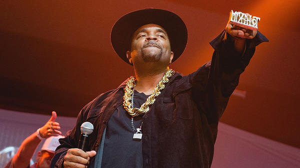 "Sir Mix-a-Lot in 2016, performing in Texas as part of the ""(Baby Got) Back to the 90's"" concert tour."