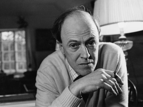 British writer Roald Dahl (1916 - 1990), in December 1971.