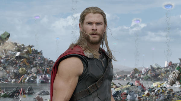 Thor (Chris Hemsworth) in <em>Thor: Ragnarok</em>.