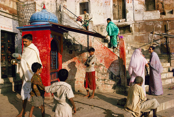 Morning on Panchganga Ghat, Benares, Uttar Pradesh, 1985.