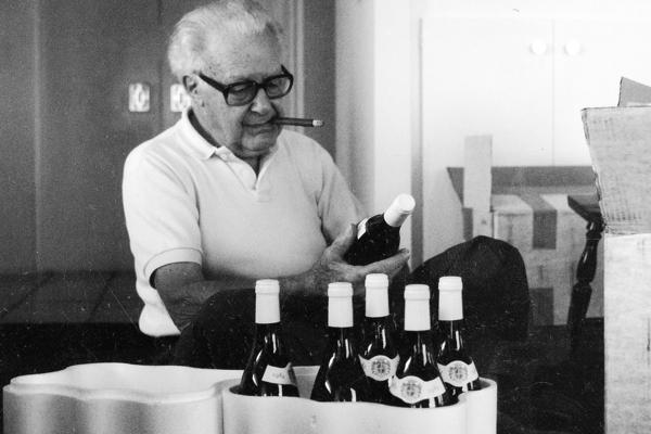 Clifton Fadiman looks over a shipment of wine in 1984. His daughter, Anne Fadiman, says she was never able to appreciate wine the way her father did.