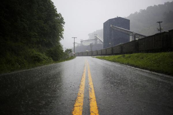 A road leads past a coal train sitting alongside the Blackhawk Mining, LLC Spurlock Prep Plant on June 3, 2014 in Printer, Ky. (Luke Sharrett/Getty Images)