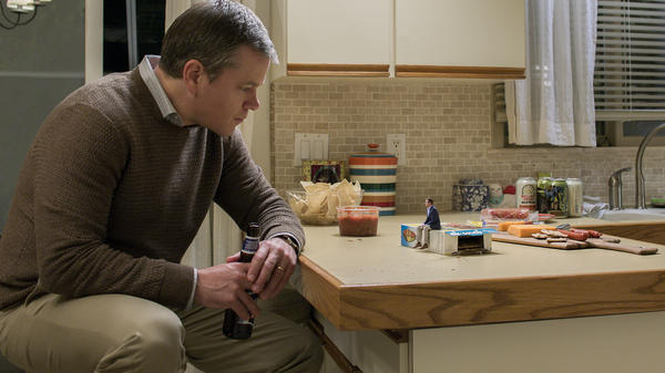 Matt Damon as Paul Safranek and Jason Sudeikis as Dave Johnson in <em>Downsizing</em> from Paramount Pictures.