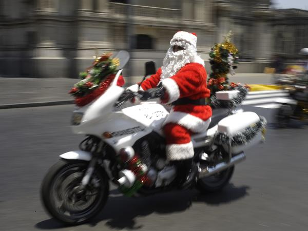 Santa was smart enough to leave <em>after</em> the morning commute this year.