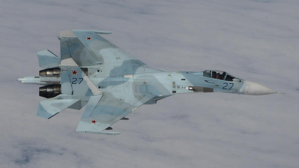 "A Russian Su-27 fighter jet similar to the one that the U.S. says made an ""unsafe"" pass of a U.S. EP-3 reconnaissance plane in the Black Sea."