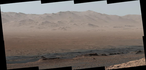 """NASA's Mars rover Curiosity took photos from the Vera Rubin Ridge showing the interior and rim of Gale Crater. The <a href=""""https://www.jpl.nasa.gov/spaceimages/images/largesize/PIA22210_hires.jpg"""" target=""""_blank"""">full image</a> features 16 photos stitched together."""