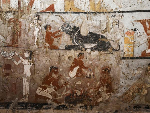 GIZA - Well-preserved and rare wall paintings inside the tomb of an Old Kingdom priestess that was unveiled on February 3, 2018. (Mohamed El-Shahed/AFP/Getty Images)