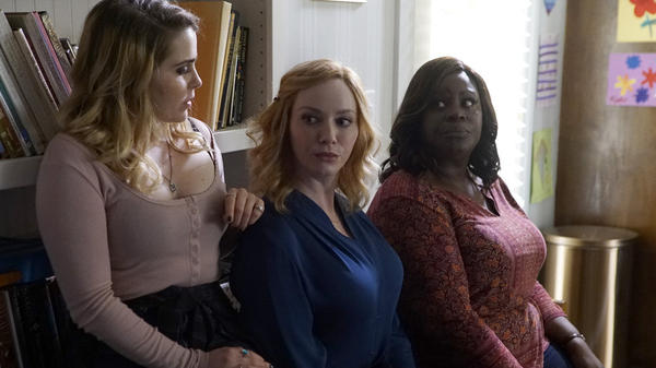 Mae Whitman as Annie, Christina Hendricks as Beth, and Retta as Ruby in the NBC comedy <em>Good Girls</em>.