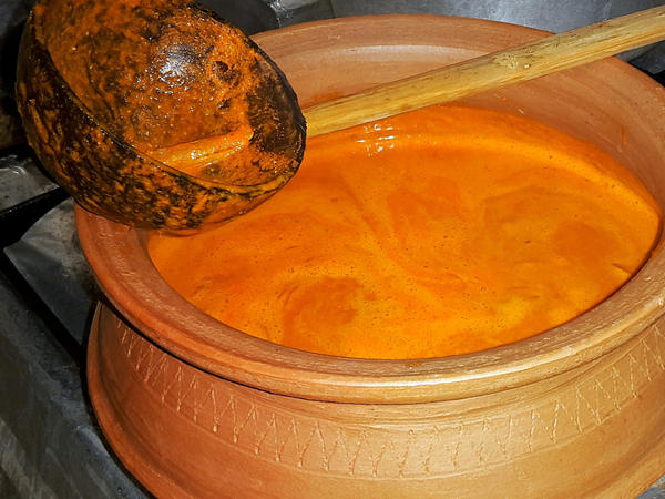Old-timers will tell you that the vessel you use to make<em> kalchi koddi</em> can make all the difference in its taste. Fish curry is traditionally cooked, or reheated, in a<em> kunddlem</em>, an earthen pot.