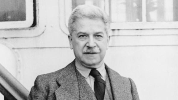 Austrian classical pianist Artur Schnabel, circa 1940.