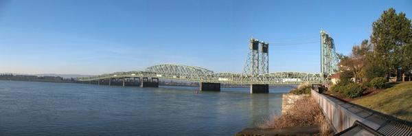 <p>The current Interstate 5 bridge connecting Oregon and Washington.</p>