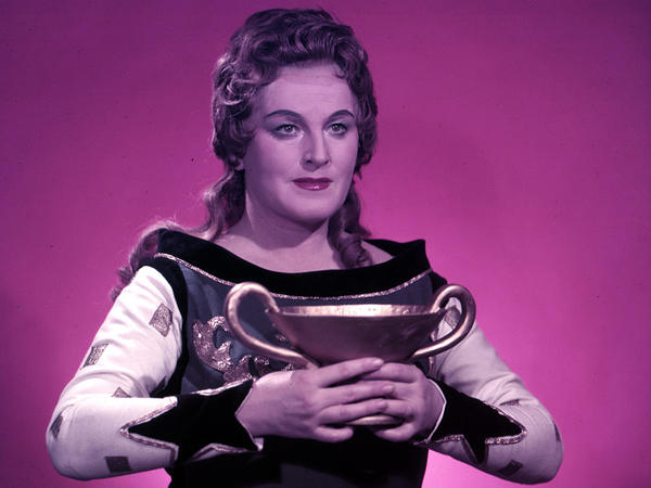 Birgit Nilsson (ca. 1960) as Isolde, in Wagner's opera <em>Tristan und Isolde</em>.
