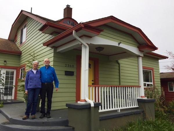<p>Judy Welles and Duane Fickeisin with their very energy efficient home in Southeast Portland.</p>