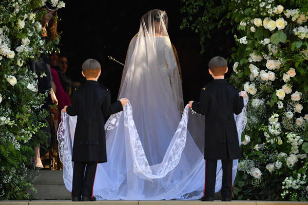 Flowers representing the 53 countries in the Commonwealth adorn the veil worn by Meghan Markle.