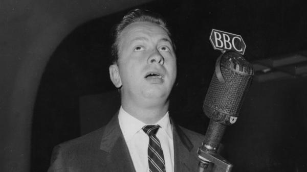 Mel Tormé in Piccadilly, London, 1956.