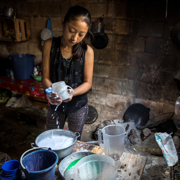 In many Maya communities, children see themselves as partners with their parents when it comes to working around the house, says psychologist Suzanne Gaskins. Susy, 12, says she voluntarily washes the dishes sometimes because she wants to help her mom.