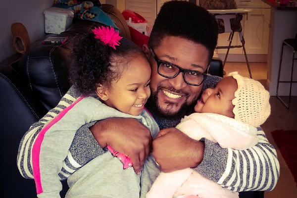La Guardia Cross and his daughters Amalah, 3, and Nayely, 1.