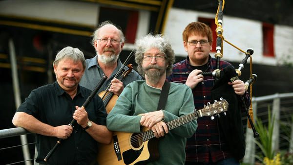 The Tannahill Weavers, who are named in tribute to poet Robert Tannahill, are featured in this week's show.