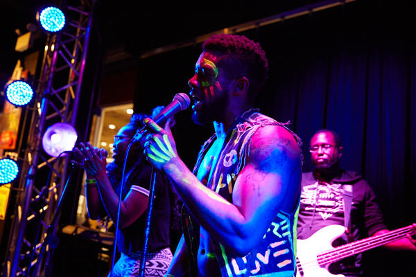 Dxtr Spits & The Devonn's at Lagunitas in Chicago<strong></strong>