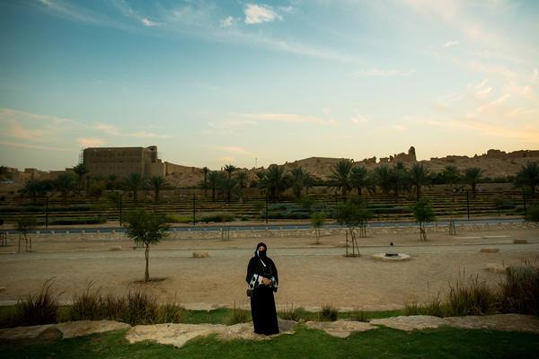 Aljazi Alhossaini, Dariya, Saudi Arabia.