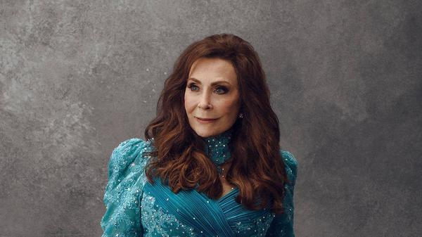 Loretta Lynn appears on <strong></strong><em>King of the Road: A Tribute.</em>