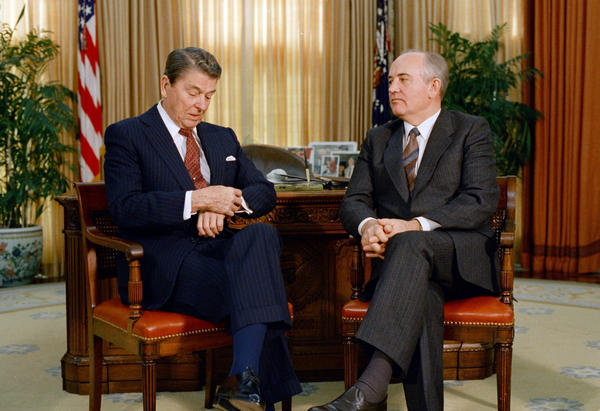 President Ronald Reagan hosts Soviet leader Mikhail Gorbachev at the White House in 1987. The two developed a good relationship that kept tensions low during the final years of the Soviet Union.